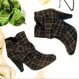 Gorgeous Diba plaid fall ankle boot/ bootie 7